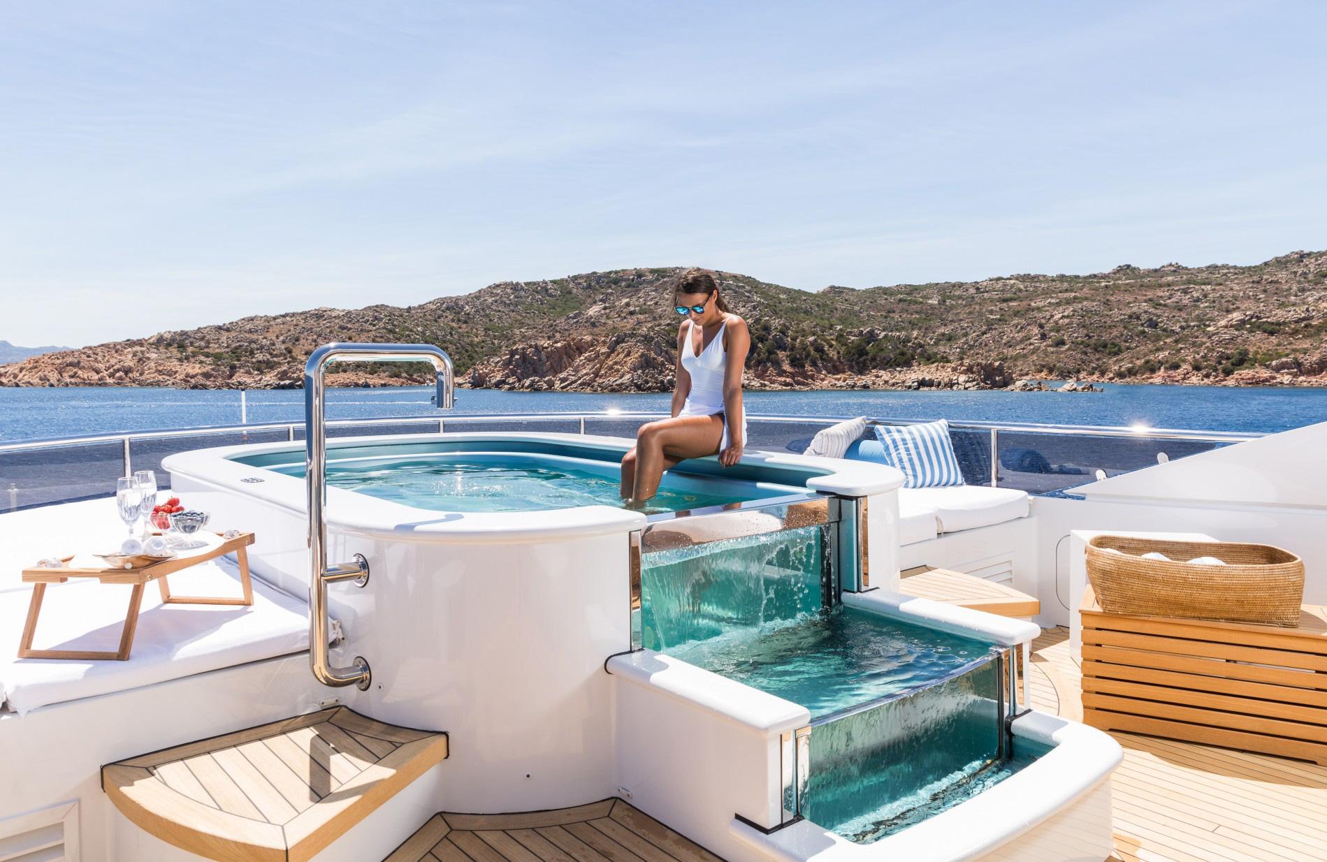 Redna-Yacht-Home4