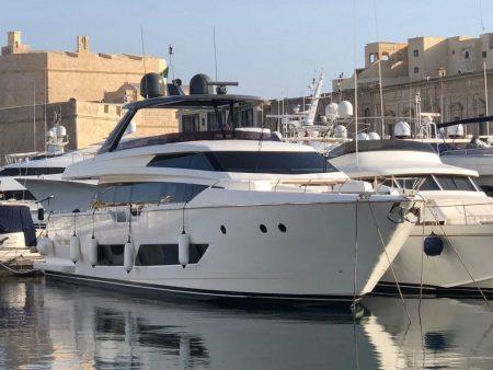 Redna Yachts Ferreti-850-1