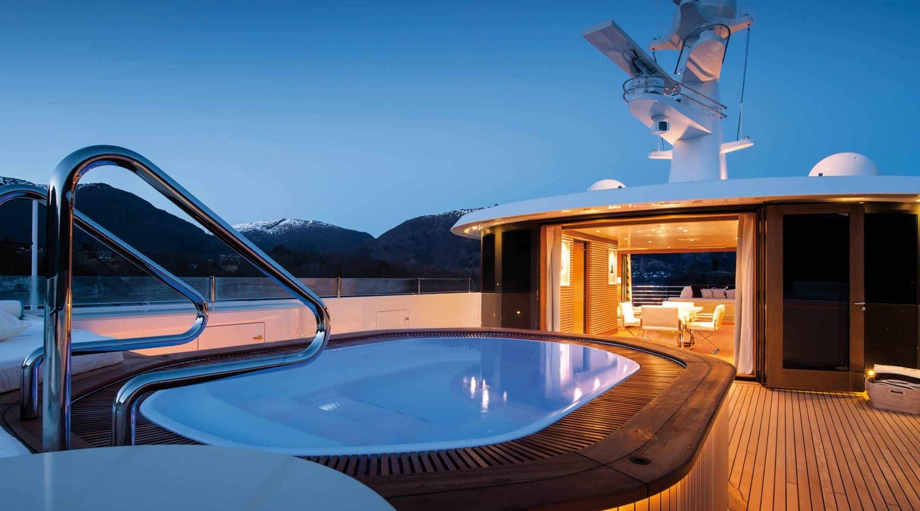 Redna Yachts Amels-2