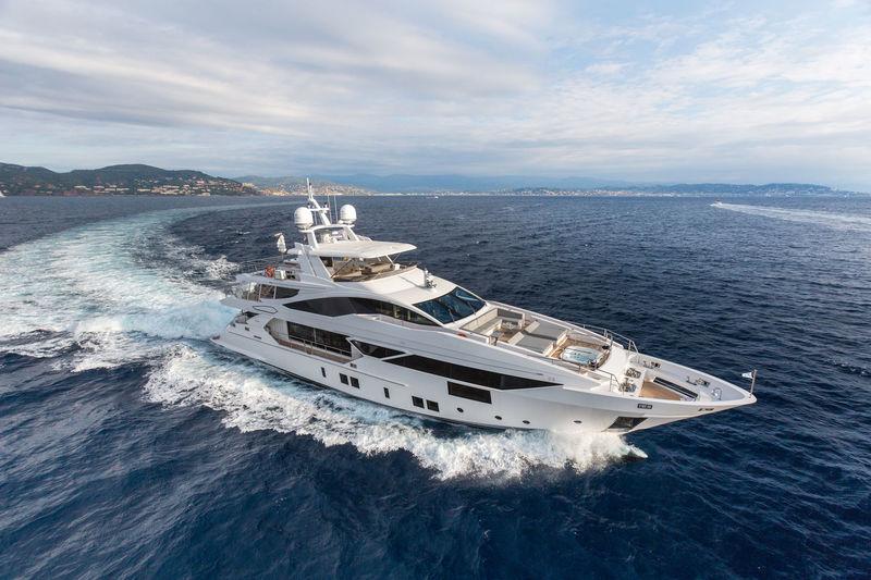 Redna Yachts B-1
