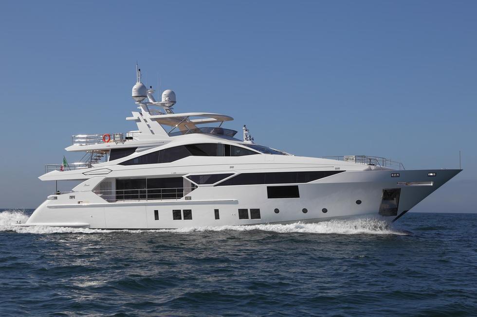 Redna Yachts B-2
